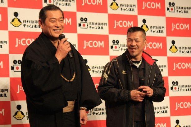 【写真を見る】辰吉丈一郎、松平健のやり取りに会場も大爆笑!