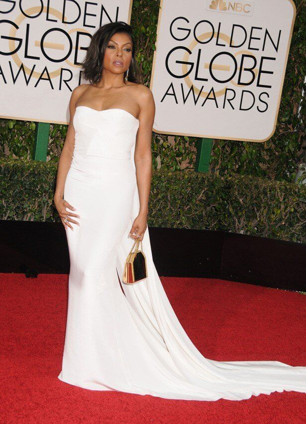 タラジ・P・ヘンソンも真っ白なドレスで登場