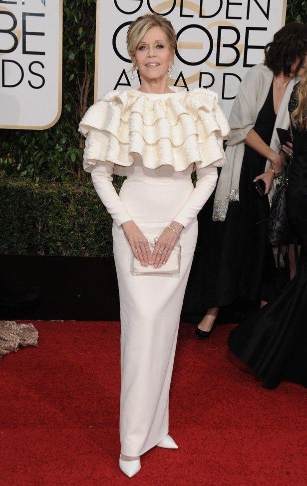 「まるでコーヒーフィルターのよう」と酷評されてしまっているジェーン・フォンダのドレス