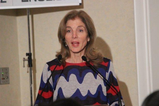 【写真を見る】キャロライン・ケネディ駐日米国大使もハッスル!