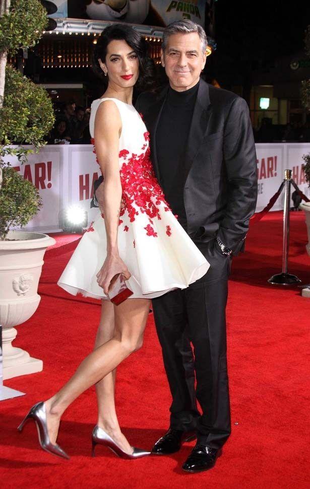 新作『ヘイル、シーザー!』のプレミアに登場したジョージ・クルーニーと妻のアマル