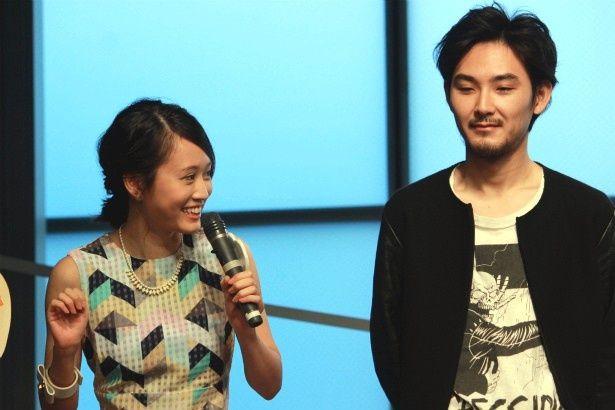 『モヒカン故郷に帰る』で共演した松田龍平と前田敦子