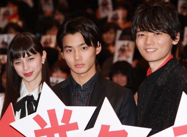 野村周平、古川雄輝、中条あやみが初日舞台挨拶に登壇