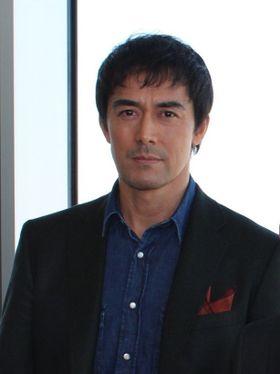 岡田准一&阿部寛、日本一高いビルで「熱い男の映画」をアピール