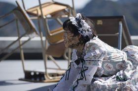 泥まみれでも可愛い!?変幻自在の女優、森川葵のメイド姿