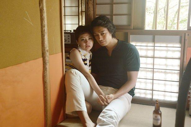 祐之介(斎藤工)とエマ(遠藤新菜)が濃厚なセックスシーンを体現