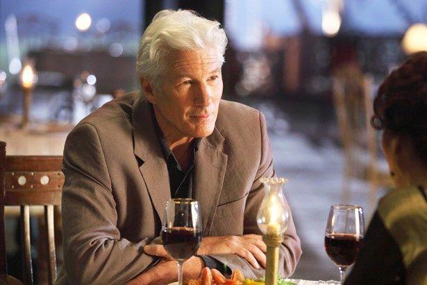 本作から参加となったリチャード・ギアは謎の来客たガイ・チェンバースを演じる