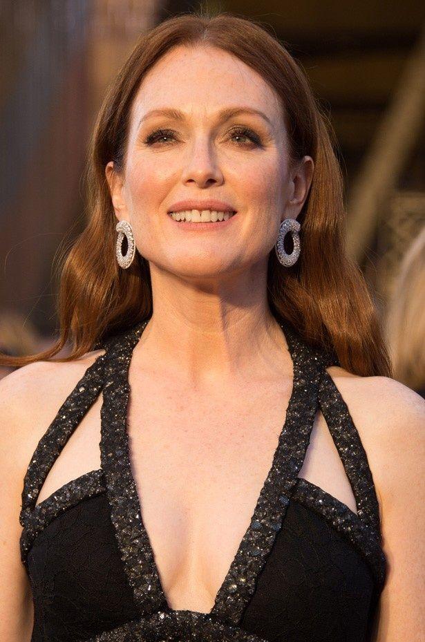アカデミー賞授賞式でのドレス姿が絶賛されているジュリアン・ムーア