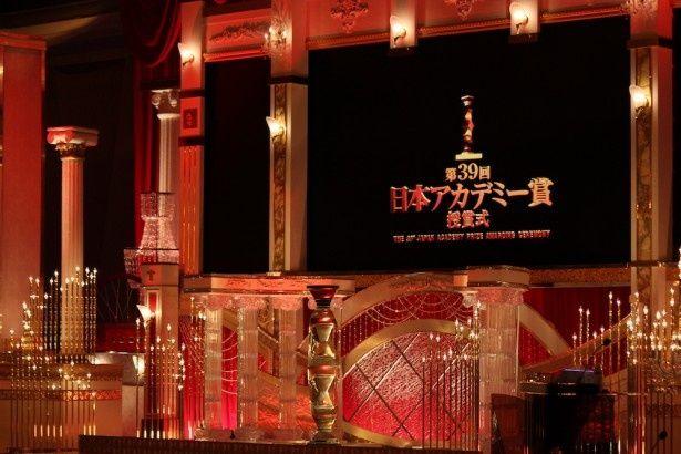 二宮和也が『母と暮せば』で最優秀主演男優賞!