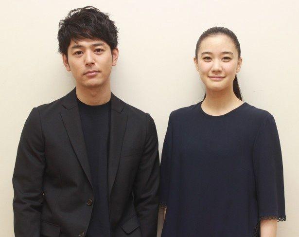 『家族はつらいよ』でカップルを演じた妻夫木聡と蒼井優