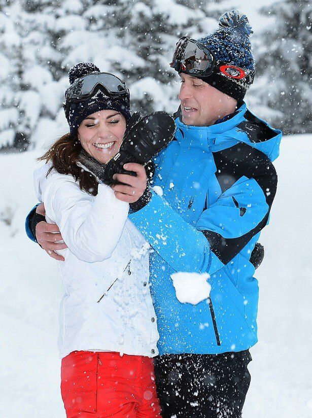 先日、スキー旅行に出かけた際のウィリアム王子とキャサリン妃