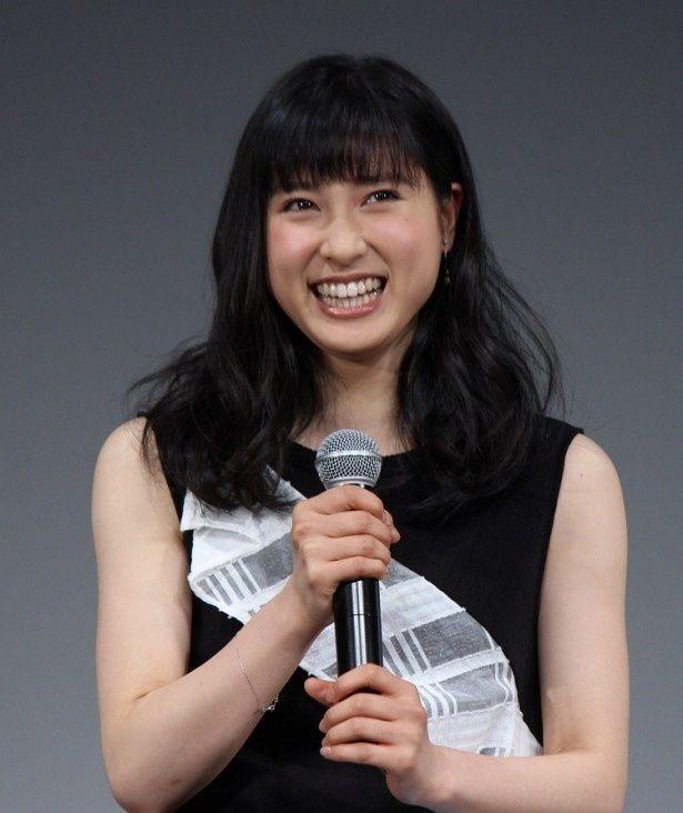 在学中の日本女子体育大学で行われた完成披露舞台挨拶に登壇した土屋太鳳