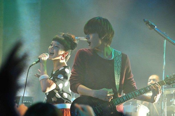 北村匠海はダンスロックバンド「DISH//」で実際にギターを担当