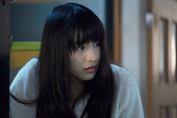 【写真を見る】呪いのビデオを偶然入手し、貞子の呪いに襲われる女子大生を演じる山本美月
