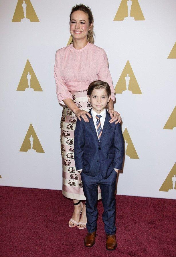 【写真を見る】アカデミー賞主演女優賞を受賞したブリー・ラーソンの息子役を演じたジェイコブ