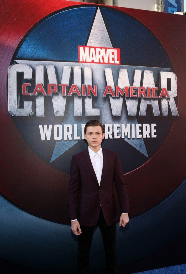 【写真を見る】新スパイダーマン俳優のトム・ホランドも登場!