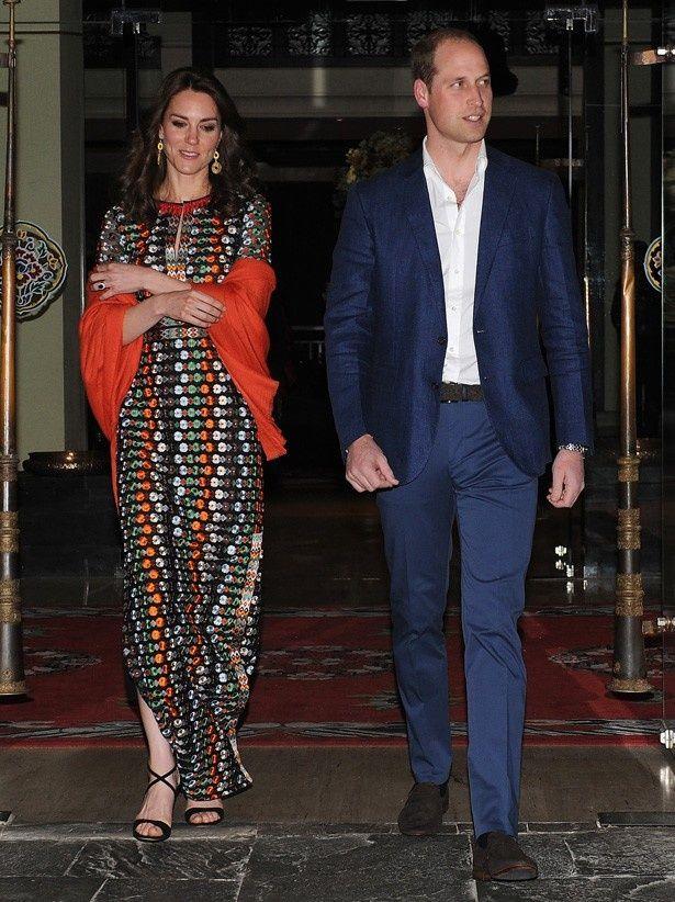 【写真を見る】ウィリアム王子とブータンを訪問したキャサリン妃