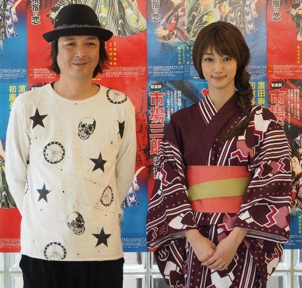 艶やか浴衣姿を披露した入山法子(右)は「はまちゃんと呼んでいます」と、濱田と意気投合していた