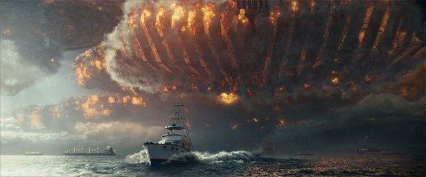 大西洋全域を覆うほど巨大な宇宙船が登場!