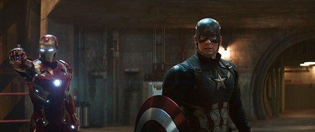 """同じ""""アベンジャーズ""""であるアイアンマンとキャプテン・アメリカの間に何があったのか?"""