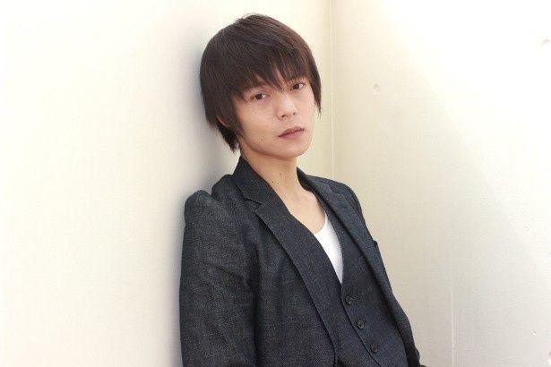 下着泥棒でニートという土志田誠役の窪田正孝