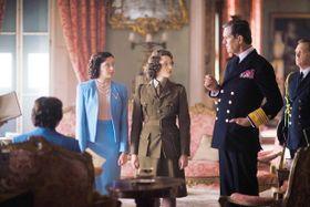 71年前の今日、19歳のエリザベス女王が秘密の外出をしていた?