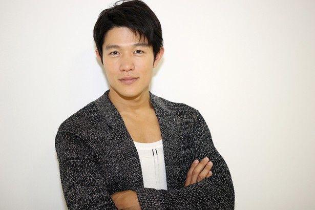いまや国民的俳優となった鈴木亮平にインタビューを敢行!