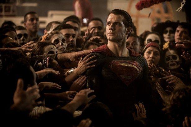【写真を見る】『バットマン vs スーパーマン ジャスティスの誕生』をきっかけに物語が広がっていく!
