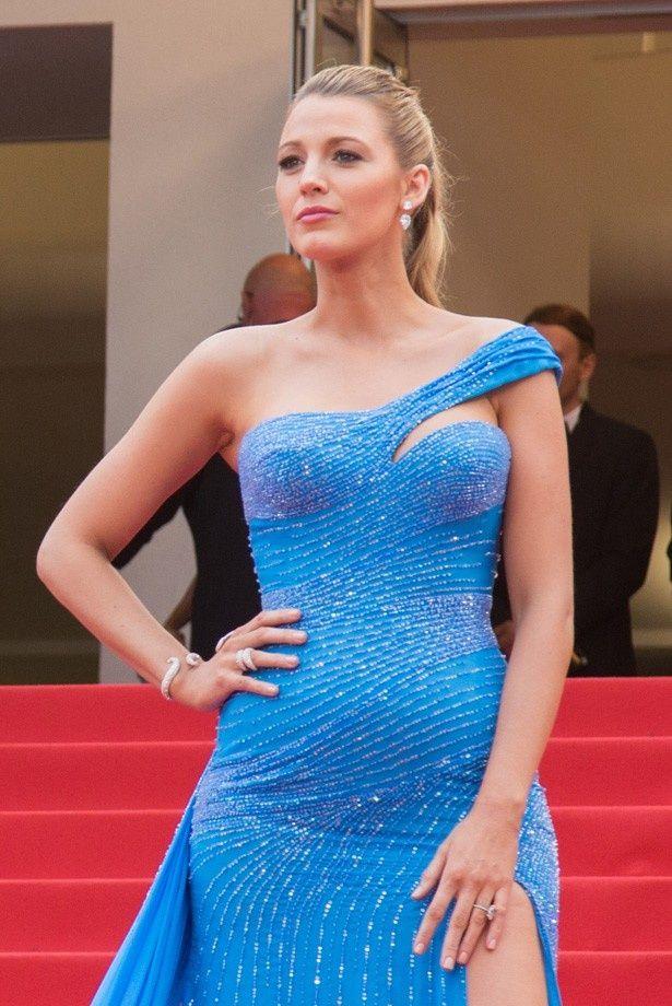 カンヌ国際映画祭でのブルーのドレス姿が絶賛されているブレイク・ライブリー