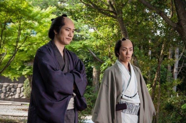 「連続ドラマW ふたがしら2」で再びタッグを組むことになった松山ケンイチと早乙女太一