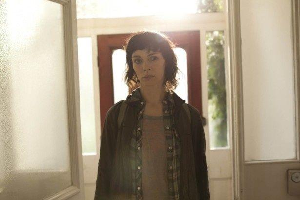 物語の鍵を握る女性ジェシカ・ハイド(シーズン1より)