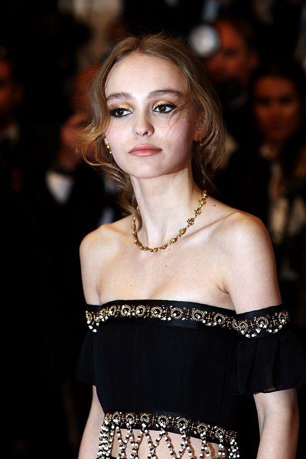 今年のカンヌ国際映画祭ではファッションを絶賛されていたリリー・ローズ