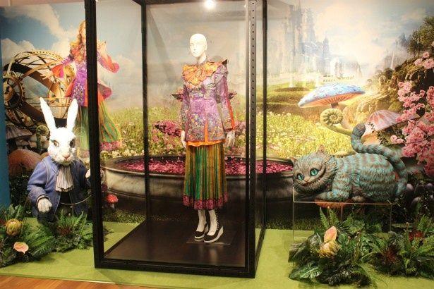 「アリス・イン・ワンダーランド」の世界at GINZA MITSUKOSHIが開催