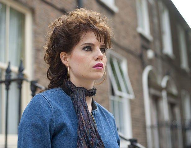 ジョン・カーニー監督最新作『シング・ストリート 未来へのうた』でヒロインのラフィーナを演じるルーシー・ボイントン