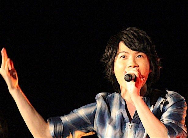 大ヒット御礼舞台挨拶で長瀬智也&神木隆之介が本気の歌声を披露!