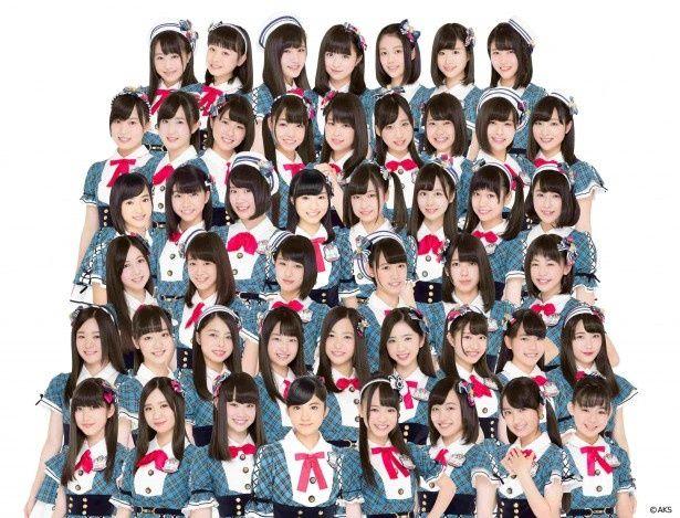 AKB48 Team8のメンバーが東京・六本木ヒルズでライブを行う