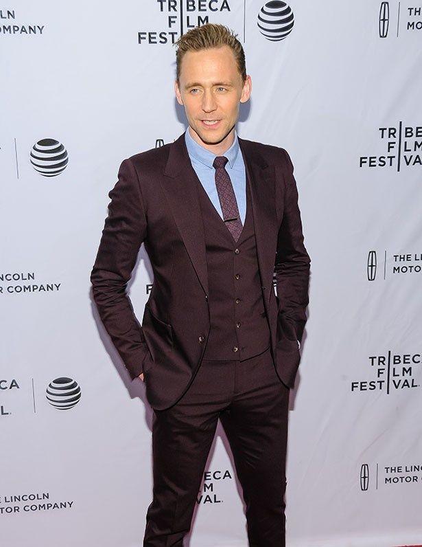 人気急上昇していたトムがテイラーにメロメロで失速?