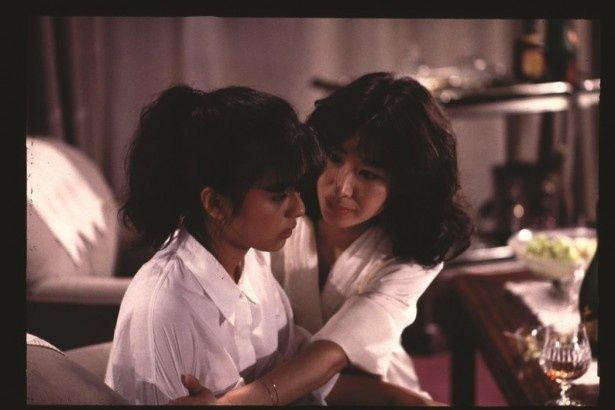 三田佳子が出演し、仙元誠三が撮影を務めた『Wの悲劇』(84)