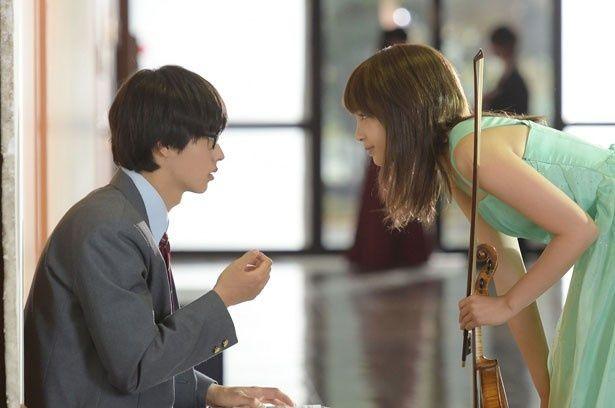 広瀬すず&山崎賢人共演『四月は君の嘘』の場面カットが解禁された!