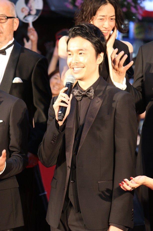長谷川博己は「ポケモンGOよりゴジラを追いかけましょう」とコメント