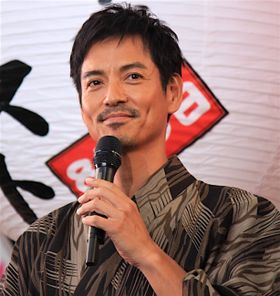 沢村一樹、仮面ライダー役で「ブレイク間近」とニンマリ。多忙にうれしい悲鳴