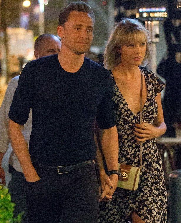 【写真を見る】1位に疑問!?テイラーとのあまりの熱愛ぶりに、評判が落ちているトム
