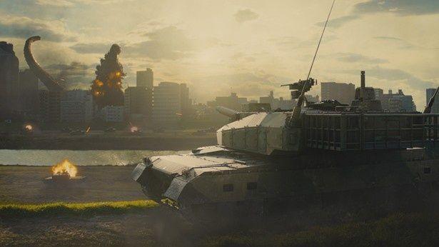 東京湾に突如現れたゴジラによって、日本は大混乱に!