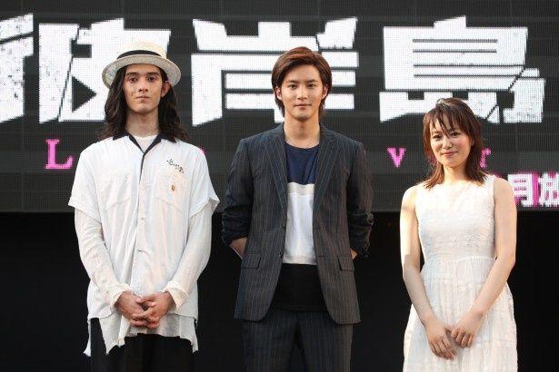 名古屋で行われた世界コスプレサミットに白石隼也(中央)、栗原類(左)が登場! 2人が出演するドラマの続編「彼岸島 Love is over」の放送決定を発表