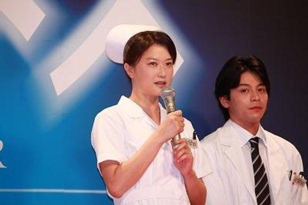 本作ではナース役のほか、ナレーションも務める夏川結衣