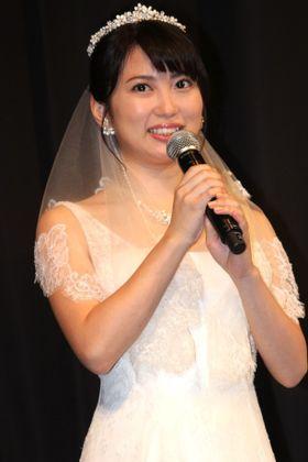 志田未来、ウエディングドレス姿を披露「ずっと昔から結婚願望が強かった」