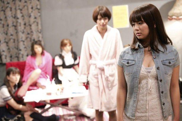 元AKB48の平嶋夏海が演じるのはセクシー女優に転身する元人気アイドル