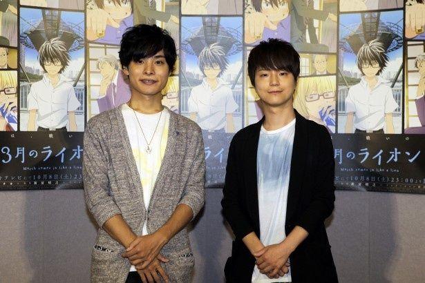 アニメ「3月のライオン」試写会に登場した河西健吾(右)と岡本信彦(左)