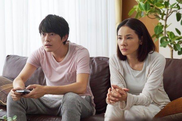 『グッドモーニングショー』では中井貴一と夫婦を演じている