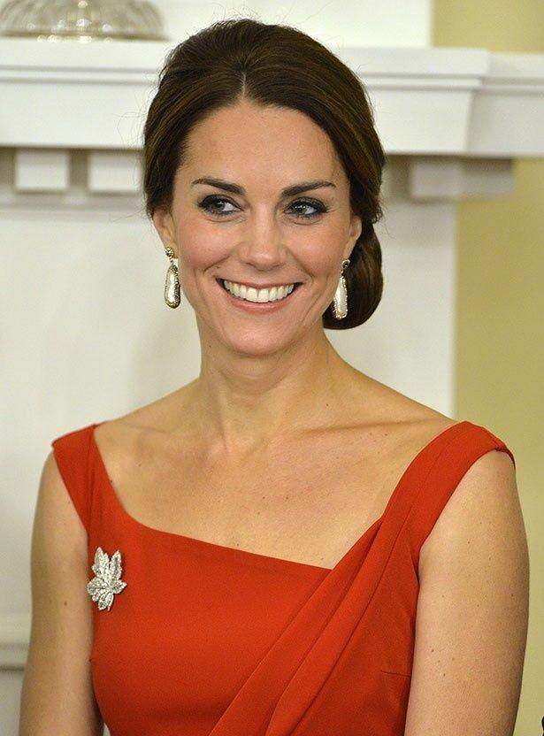 カナダを公式訪問中のキャサリン妃がディナーに出席